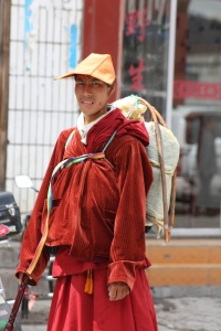 A monk making his way to Lhasa.