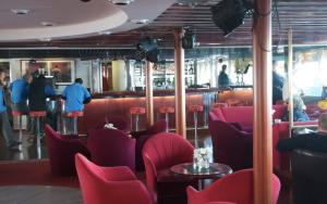 Lounge on the Ocean Diamond