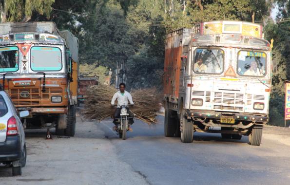 traffic, India
