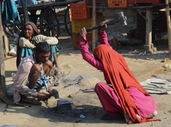 hammering, India