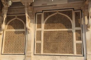 Salim Chishti's tomb, cut screen