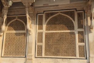 Salim Chishti's tomb, cut screen