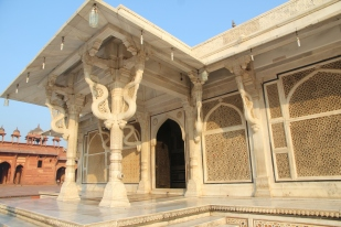 Salim Chishti's tomb, entrance