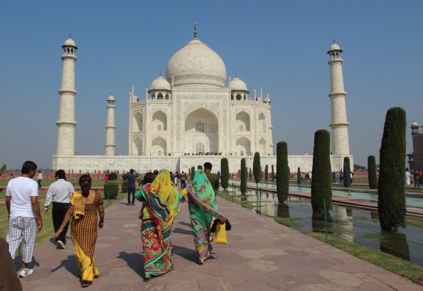 approaching the Taj Mahal