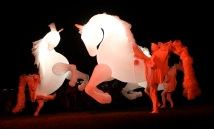 Fiers-a-Cheval in red