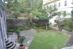 Garden below Casa dos Contos
