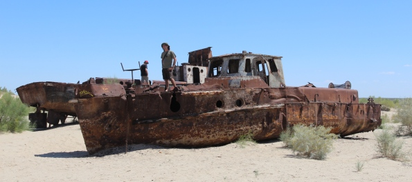 Stranded ship, Moynak