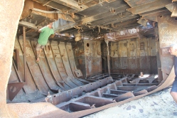 Aral Sea, climbing a hull