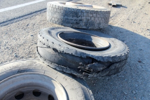 Flat tyres/tires