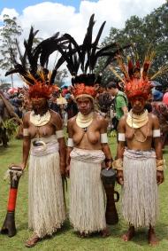 Goroka Show, twine skirts, 2014
