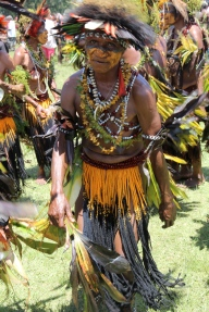 Goroka Show, yellow skirt, 2014