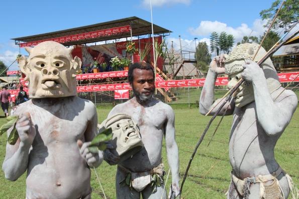 Asaro mud men, Goroka Show