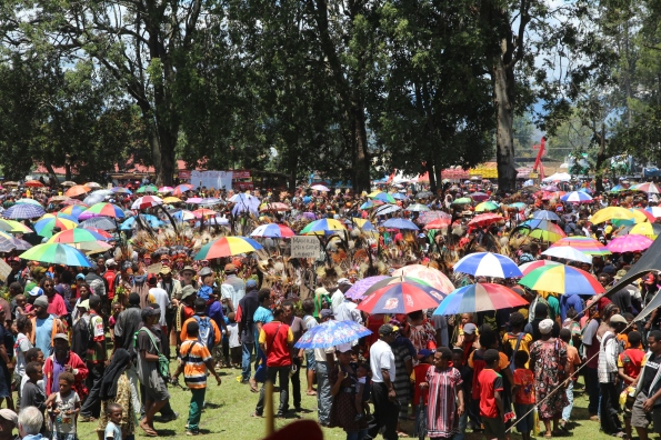 Goroka Show 2014 crowd