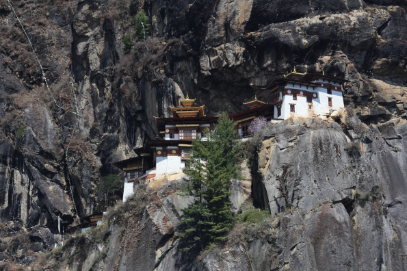 Tiger's Nest from distance