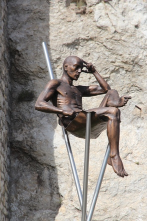 Lavarenne sculpture,sitting