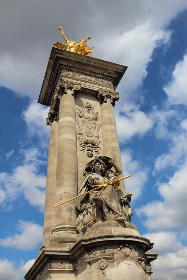 Pont Alexandre III pillar