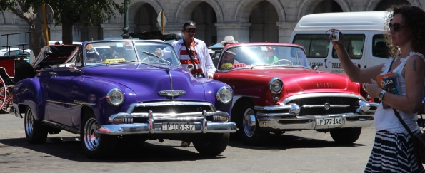 Two vintage cars in Cuba