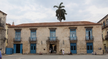 Havana cathedral square