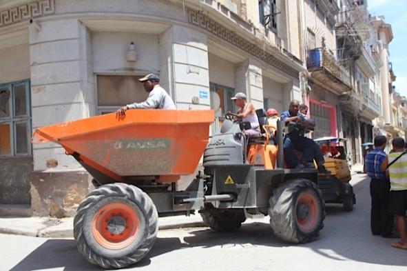 hauling in Cuba