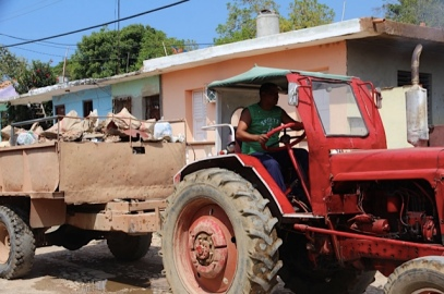 tractor in Cuba