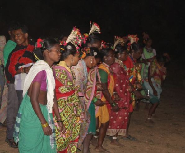 Baiga women dancing