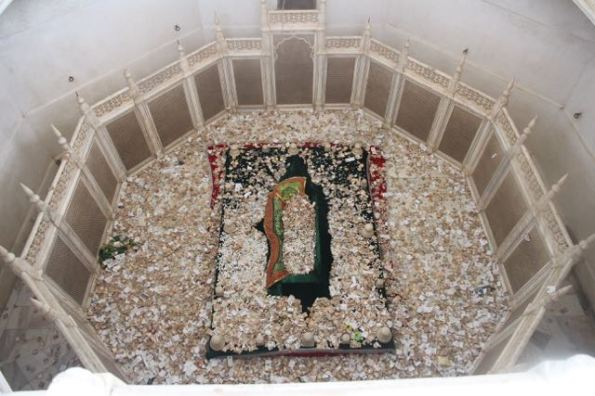 Tomb at Bibi Ka Maqbara