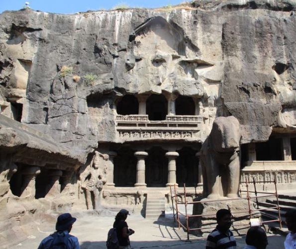 A gallery at Kailasha Temple