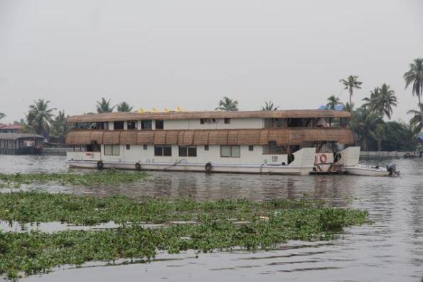 Oberoi houseboat