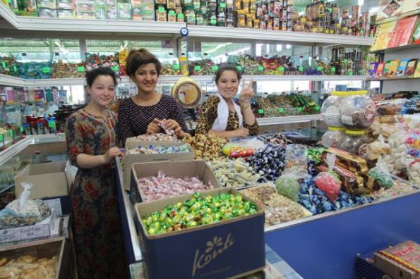 Selling sweets, Turkmenistan