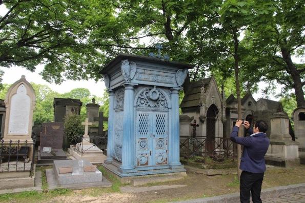 A blue monument, Montmartre Cemetery