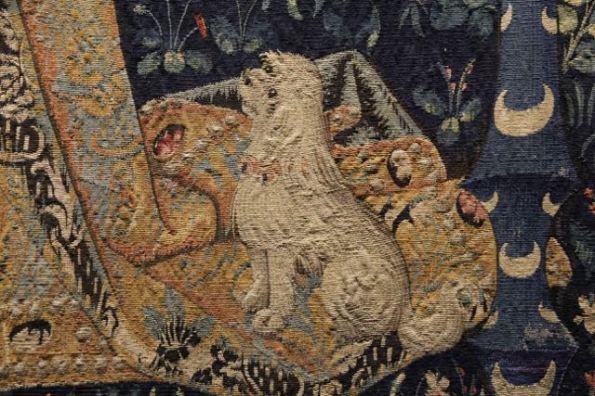 The Lady and the Unicorn, Taste, dog