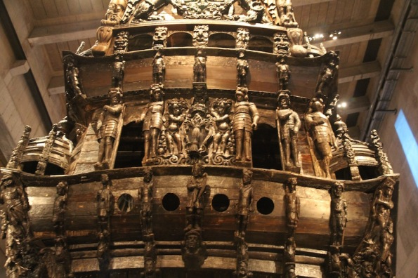 Stern of Vasa with shield and three crowns