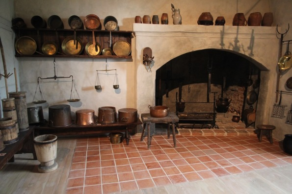 Baukas Castle, kitchen