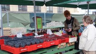 Riga market, outdoor fruit