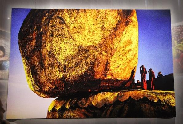 Balancing rock, Kyaikto, Myanmar, 1994