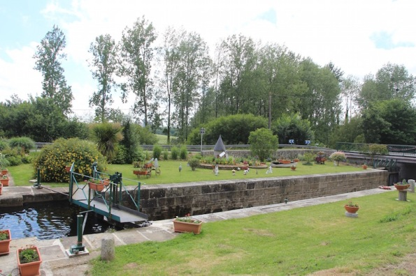 Lock-keeper's garden and lock