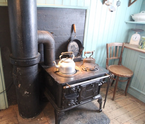 Wood stove, Árbær Open Air Museum