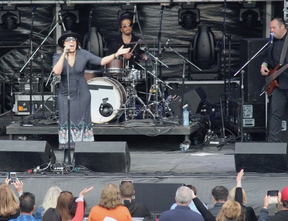 Kate Ceberano, Anthems concert, Canberra, Australia